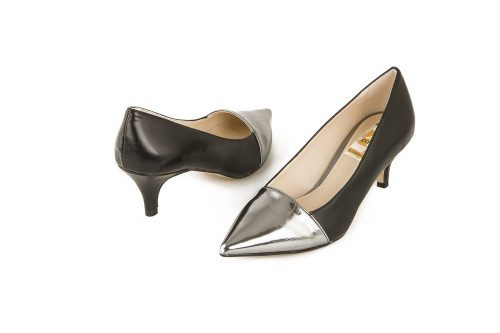 Large size pointed pump 4...