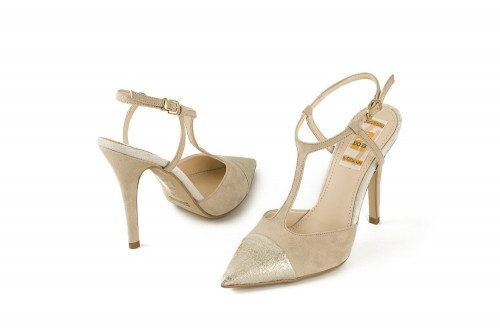 Extra size high heel pump 4...