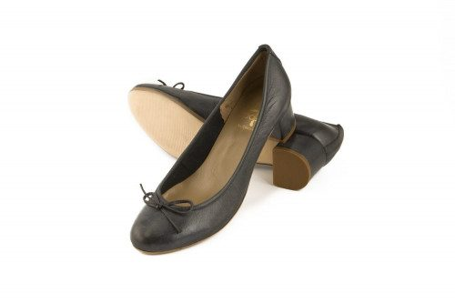 Heeled genuine leather...
