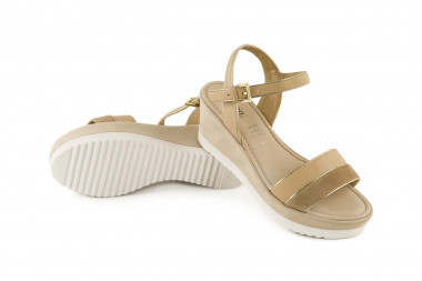Bicolor leather wedge heel...