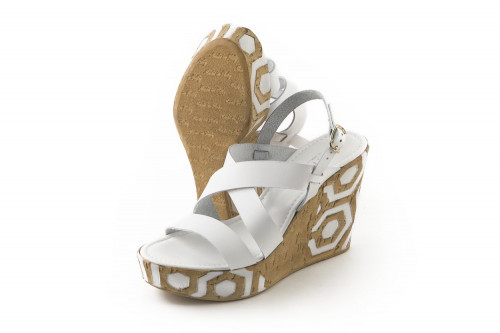 Criss-cross high wedge...