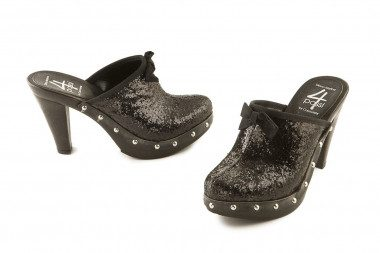 Clog with glitter...