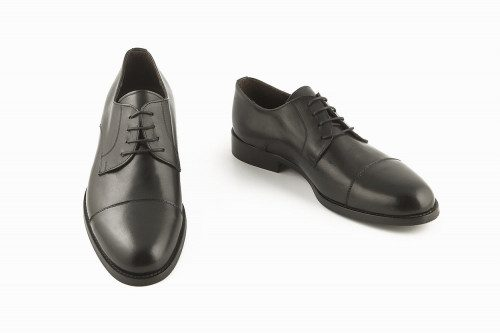 Back elegant derby shoe...