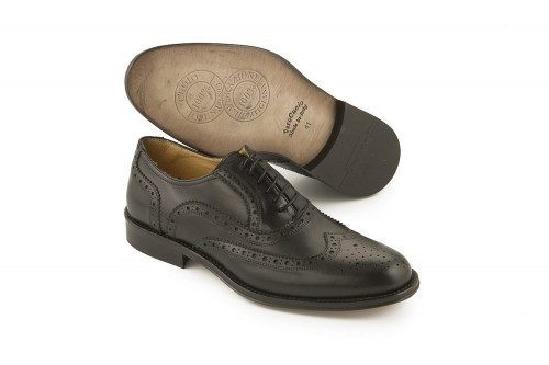 Formal lace-up leather shoe...