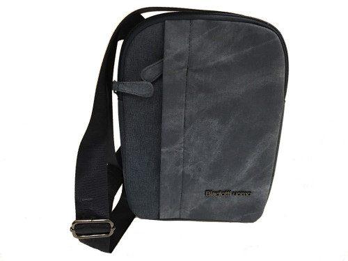 Small shoulder bag...