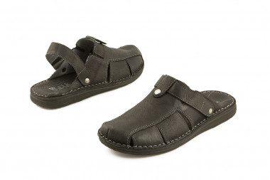 Black closed toe slide...