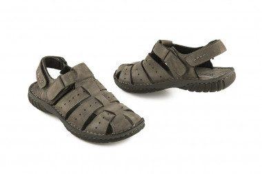 Closed men sandal velcro...