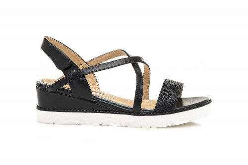 Mid wedge and velcro sandal...