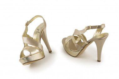 Sandalo plateau e tacco...