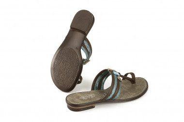 Embellishment flat toe-post...